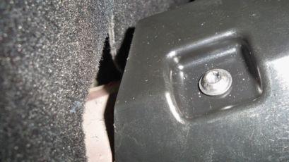 Parcel shelf bolt